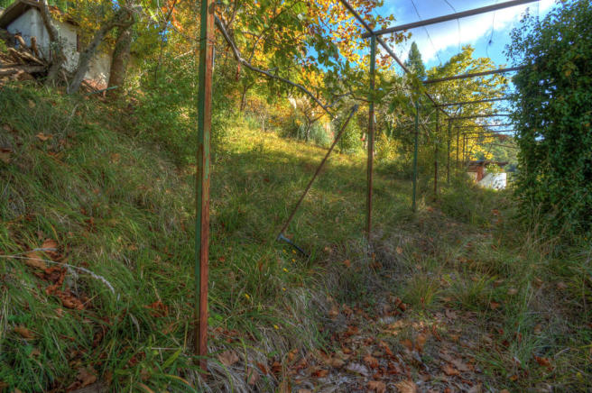 Arbour walkway