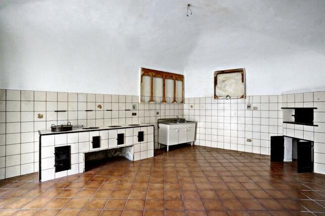 Kitchen-pizza oven
