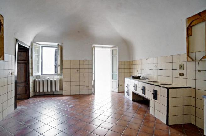 Kitchen-antique oven
