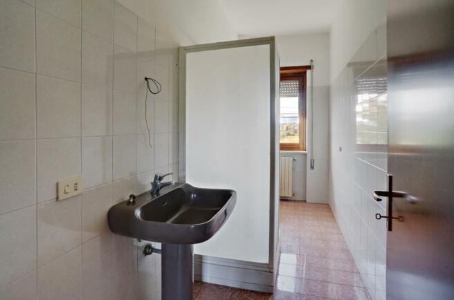 Apt. 1 Bathroom 1