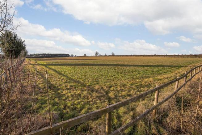 10 Acres or Thereabouts