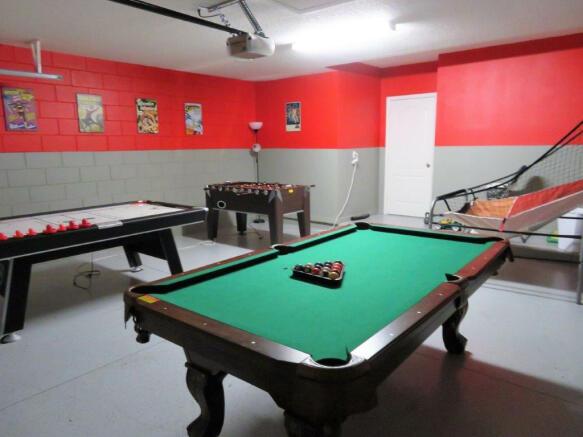 Garage/Game Room