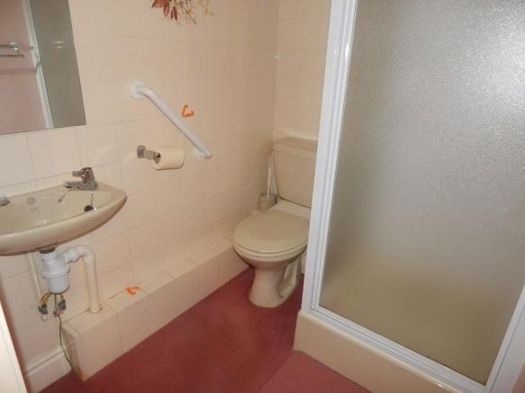 Family Shower/WC