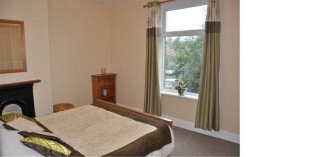 18 HL Bedroom (002).jpg