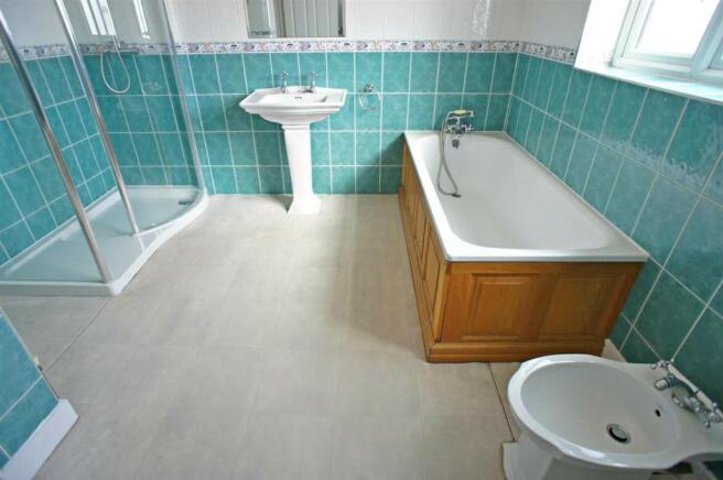 richmondbathroom.jpg
