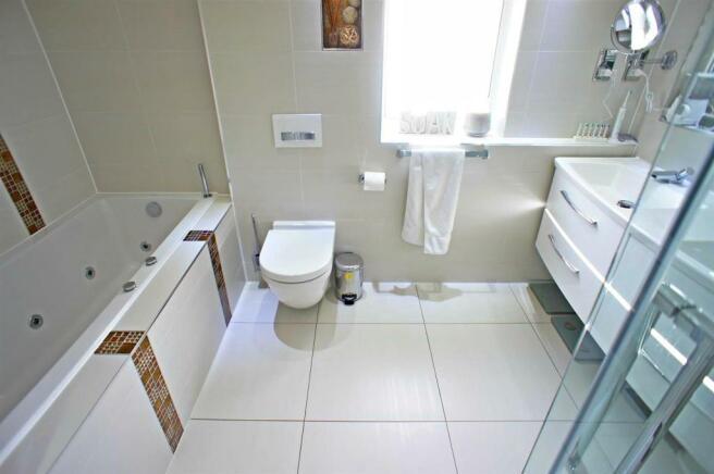 theridgewaybathroom.jpg