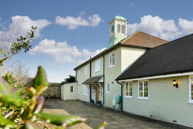 7 bedroom detached house for sale in Ivy Mill Lane 84f4dfff6