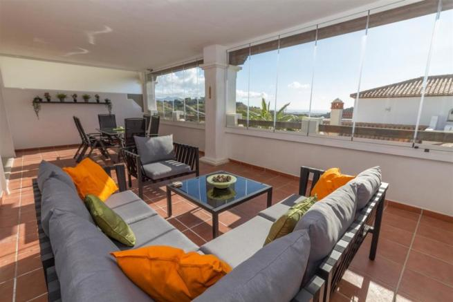 Strange 2 Bedroom Apartment For Sale In Calahonda Costa Del Sol Download Free Architecture Designs Scobabritishbridgeorg