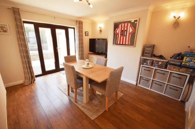 3 bedroom detached house for sale in courtway drive sneyd green st1