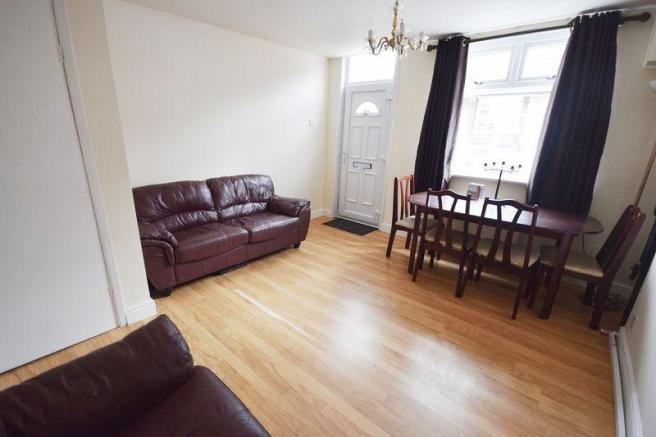 2 bedroom terraced house for sale in leek road milton st2