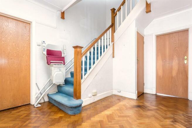 house-higher-drive-banstead-1008.jpg