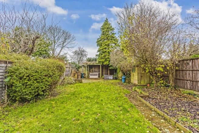 house-greenhayes-avenue-banstead-102.jpg