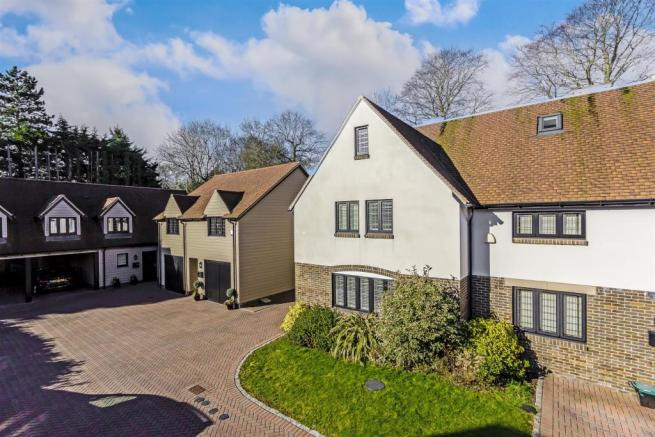house-dacre-close-chipstead-coulsdon-102.jpg