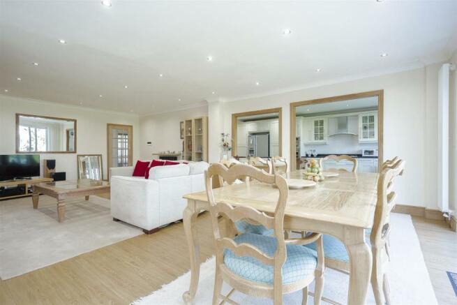 House-tangier-way-Burgh-heath-116.jpg