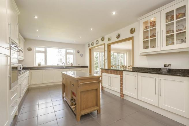 House-tangier-way-Burgh-heath-120.jpg