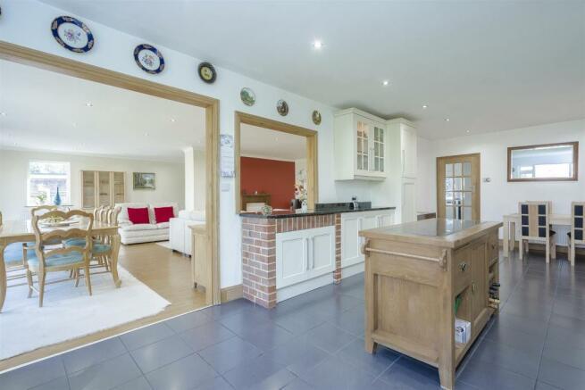 House-tangier-way-Burgh-heath-118.jpg