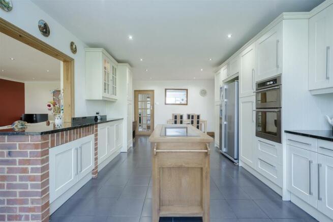 House-tangier-way-Burgh-heath-119.jpg