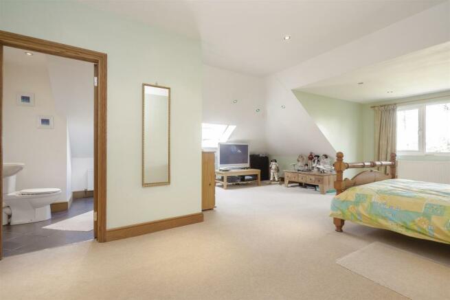 House-tangier-way-Burgh-heath-128.jpg