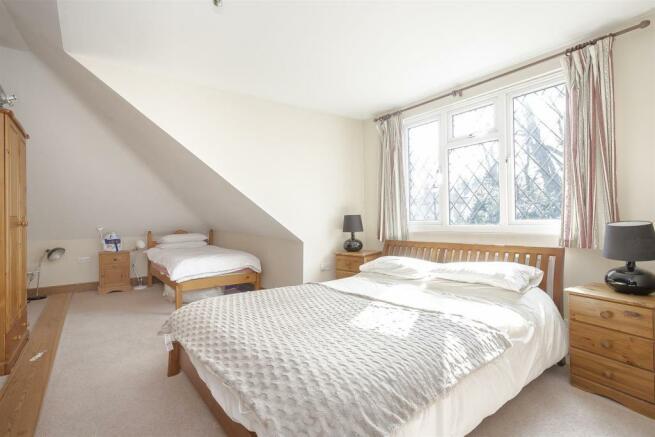 House-tangier-way-Burgh-heath-122.jpg