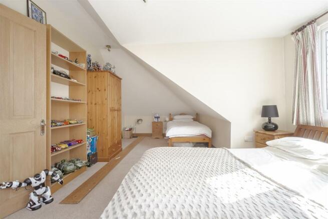 House-tangier-way-Burgh-heath-123.jpg