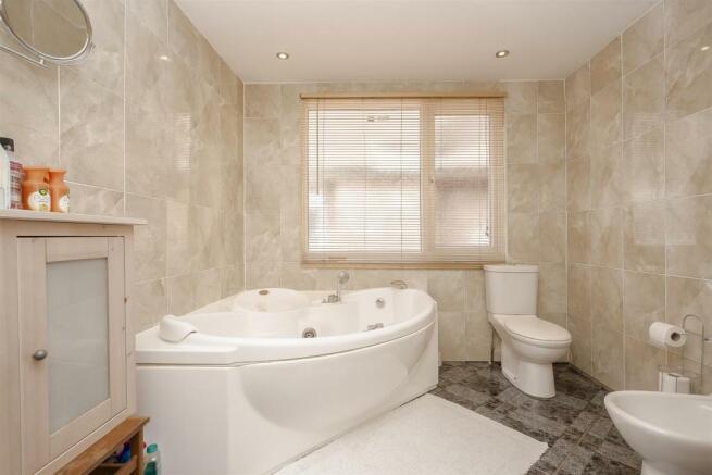 House-tangier-way-Burgh-heath-126.jpg