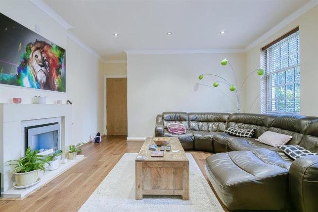 flat-holmewood-house-brighton-road-banstead-109.jp