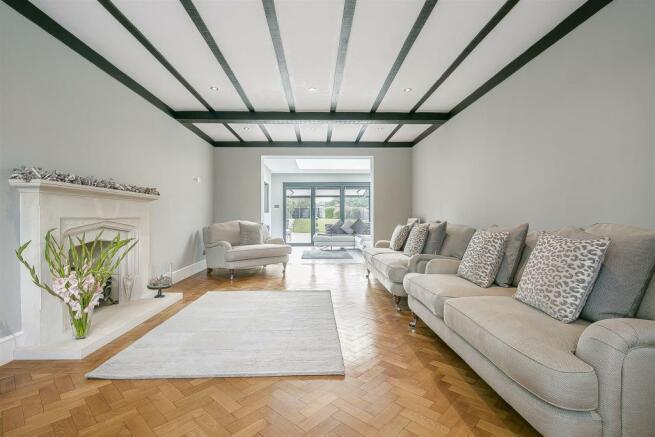 house-longcroft-avenue-banstead-125.jpg