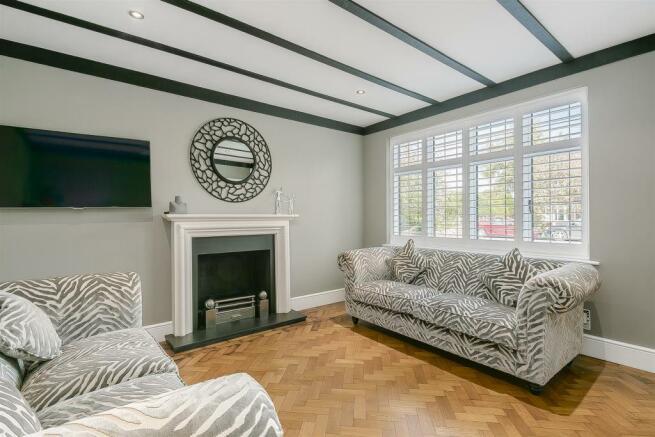 house-longcroft-avenue-banstead-128.jpg