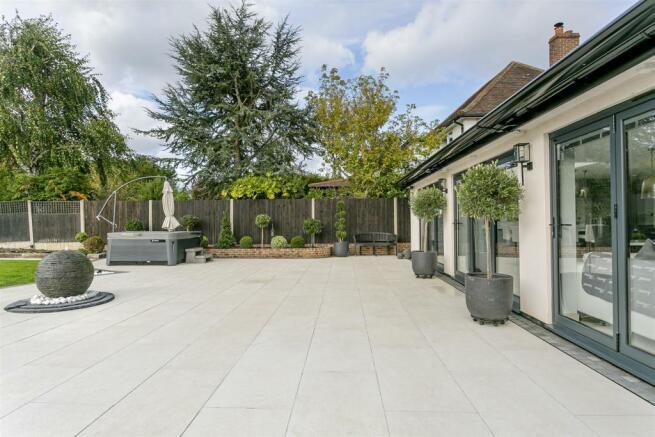 house-longcroft-avenue-banstead-113.jpg