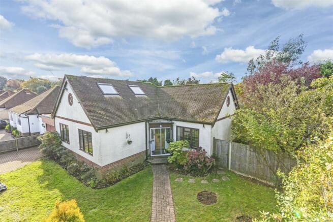 bungalow-waterer-gardens-burgh-heath-banstead-103.