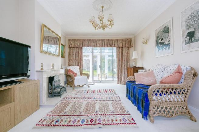 bungalow-waterer-gardens-burgh-heath-banstead-116.