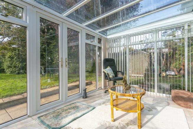 bungalow-waterer-gardens-burgh-heath-banstead-118.