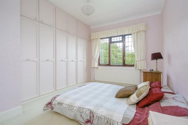 bungalow-waterer-gardens-burgh-heath-banstead-123.