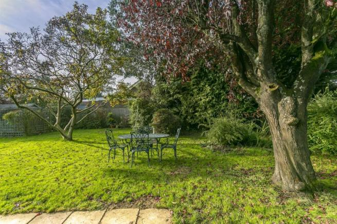 bungalow-waterer-gardens-burgh-heath-banstead-115.