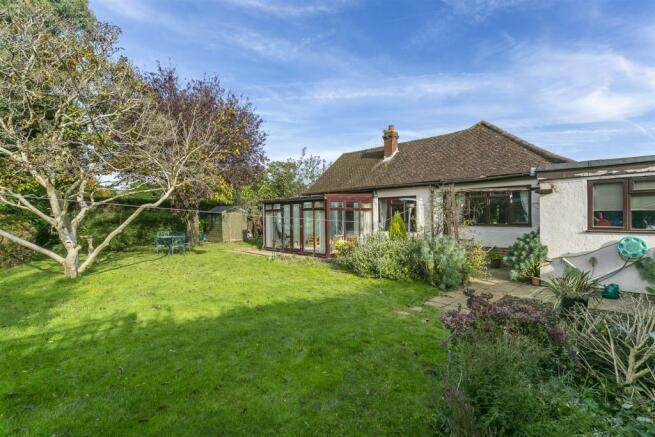 bungalow-waterer-gardens-burgh-heath-banstead-113.