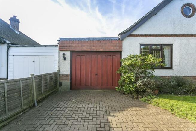 bungalow-waterer-gardens-burgh-heath-banstead-107.