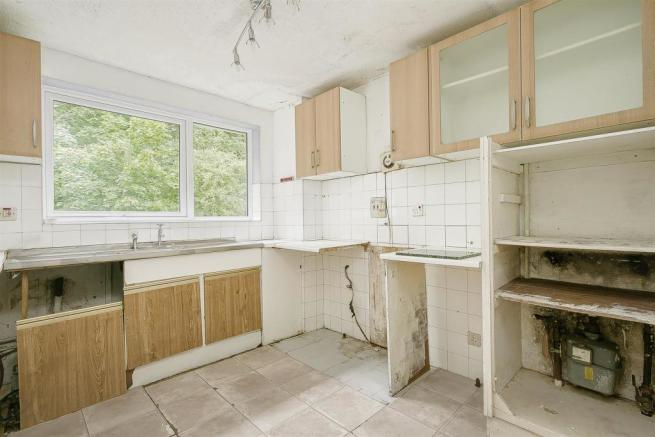 flat-priory-court-chipstead-road-banstead-102.jpg