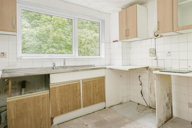 flat-priory-court-chipstead-road-banstead-103.jpg