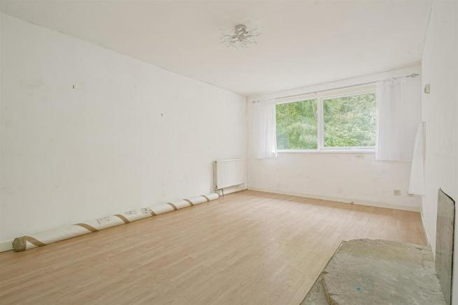 flat-priory-court-chipstead-road-banstead-111.jpg