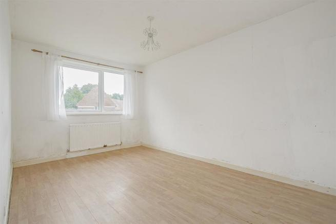 flat-priory-court-chipstead-road-banstead-110.jpg