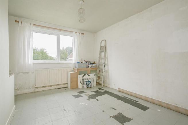 flat-priory-court-chipstead-road-banstead-109.jpg