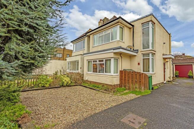 house-ballards-green-tadworth-102.jpg