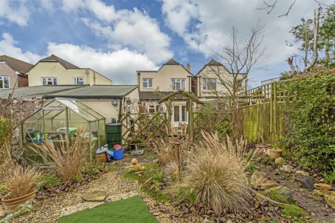 house-ballards-green-tadworth-106.jpg