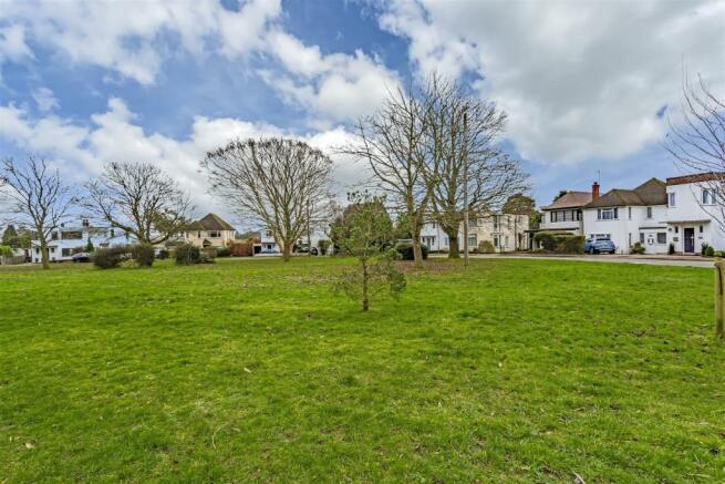 house-ballards-green-tadworth-101.jpg