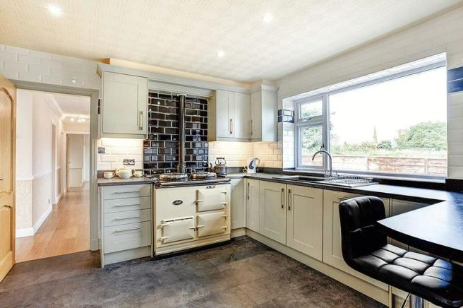 2 bedroom detached bungalow for sale in l Lane, Astbury, CW12 on