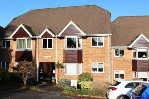 Photo of 11 Ellingham Close, Grange Road, Alresford