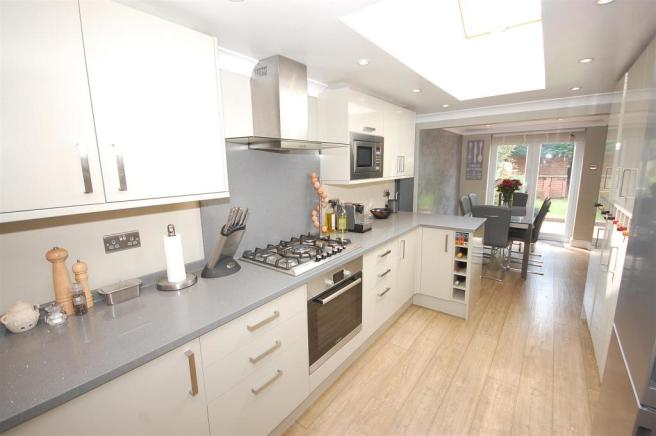 Stunning Refitted kitchen/dining Room