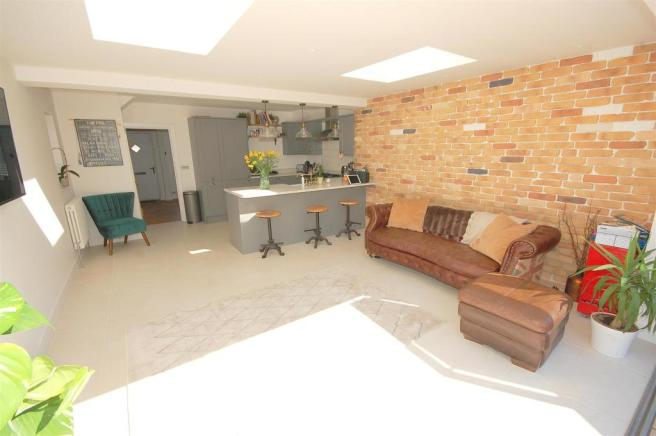 Dining/Family Room (2)