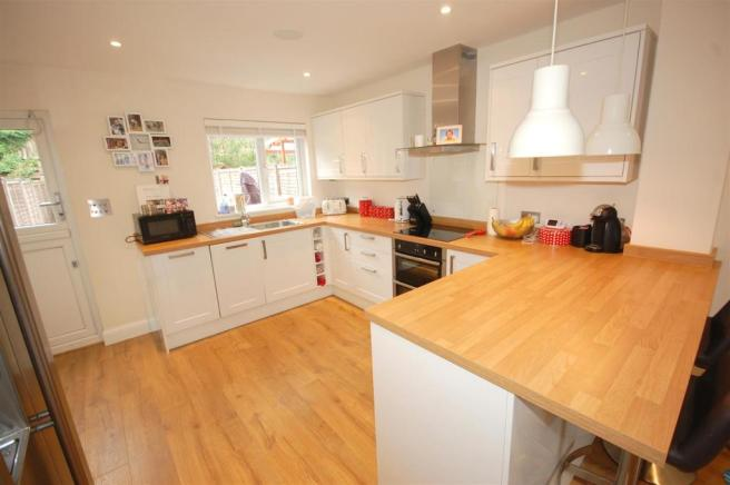 Refitted Kitchen/breakfast Room B