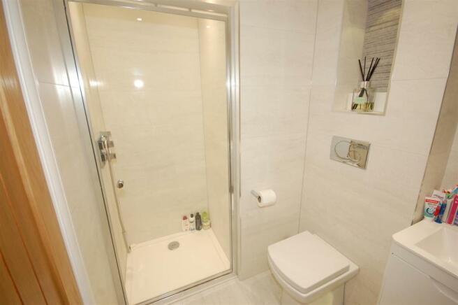 Refitted Bathroom/shower Room B